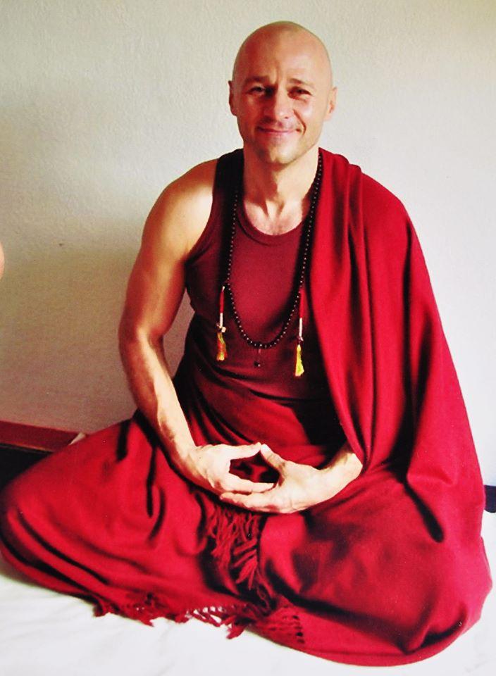 Женя Та'ковский в 9-ти летнем медитационном ритрите в Наги Гомпа, Непал