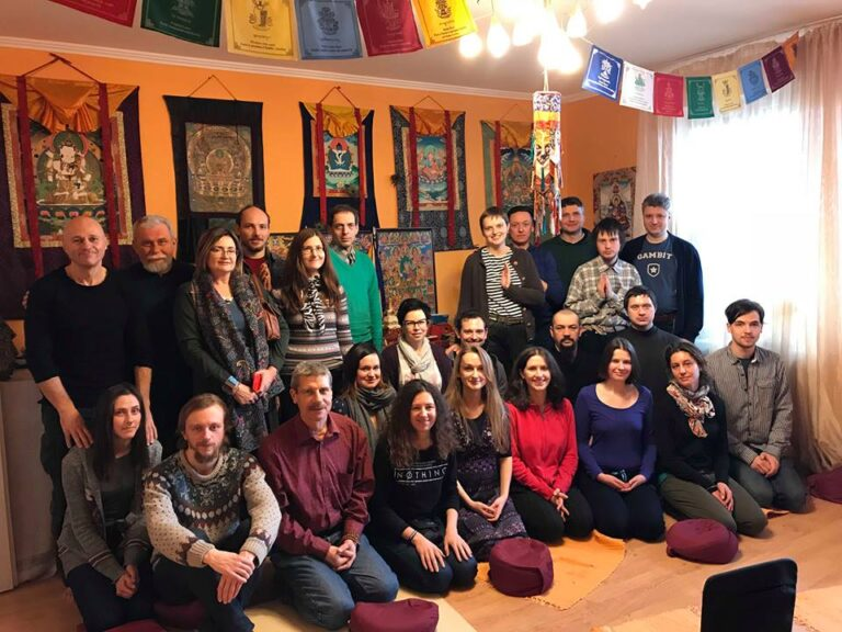 Киев, Дхарма Центр, 2018 год,семинар Жени Та'ковского по пробужденной медитации