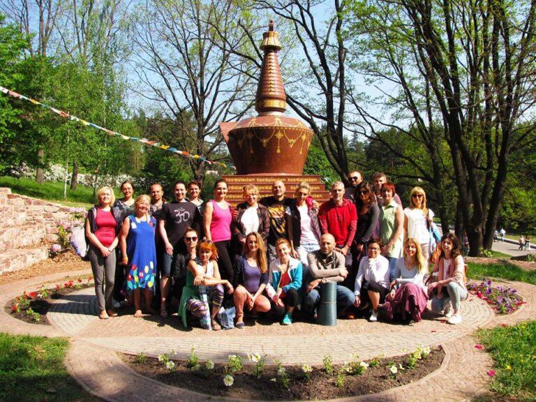 Киев, ботанический сад, занятия по Ригпа-Йоге и Гуру-Йоге