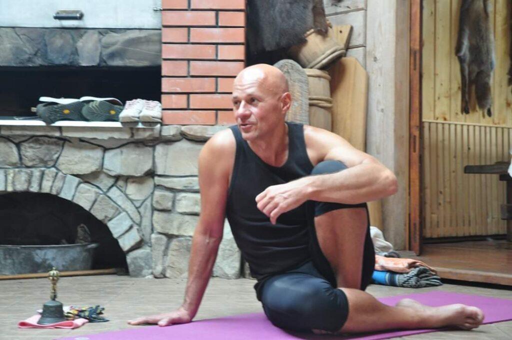 Женя Та'ковский - ритрит в Ворохте по медитации и йоге