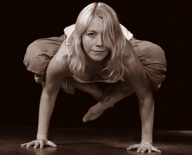 Травмобезопасность в йоге: как избежать травмы?